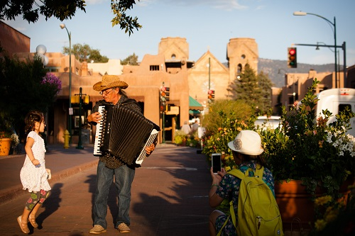 Santa Fe Offers Freebies for Kids for Spring Travel