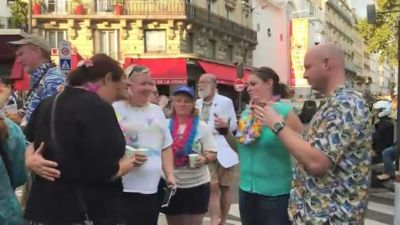 Diehard Jimmy Buffett Fans Flock to Paris